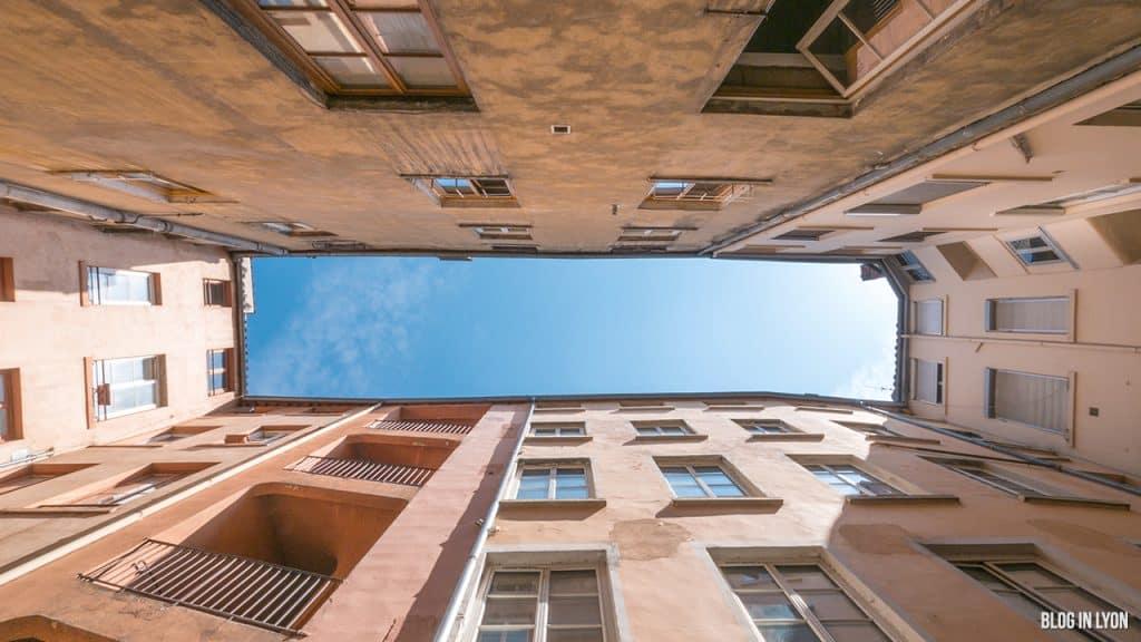 Les traboules du Vieux Lyon - 12 quai Romain Rolland | Blog In Lyon