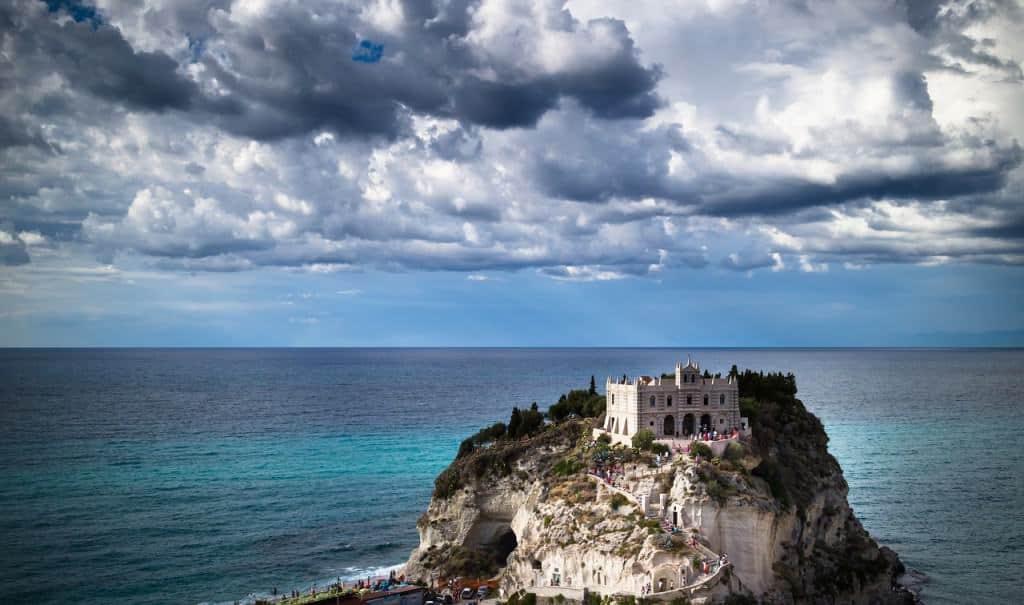 Calabria romantic cities italy