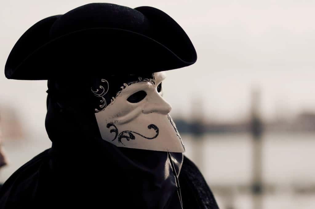 Venice mask black white