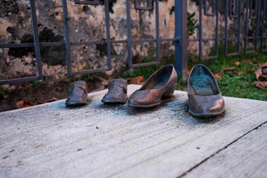 Bronze Shoes in Parque Las Palomas