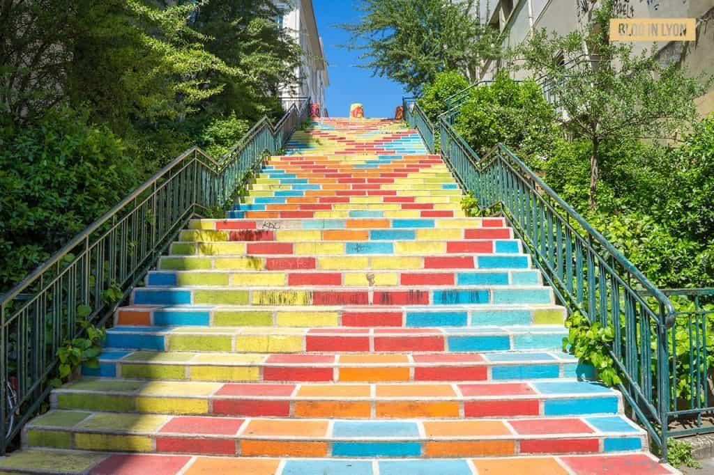Fresque artistique Escaliers Prunelle - Top 15 des plus beaux murs peints de Lyon | Blog In Lyon