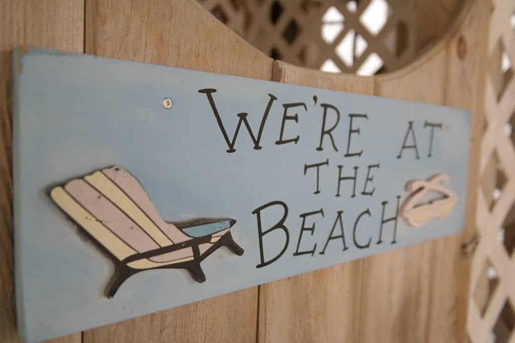 Beachsign. Majaranda from