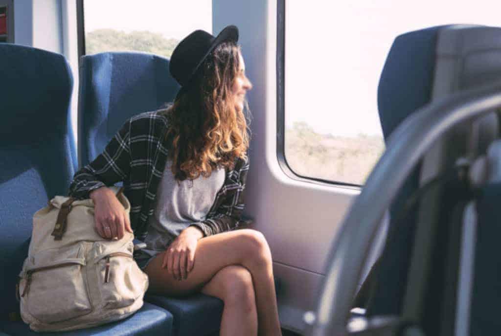 Célibataire : Guide pour mettre du piment à un long voyage en train