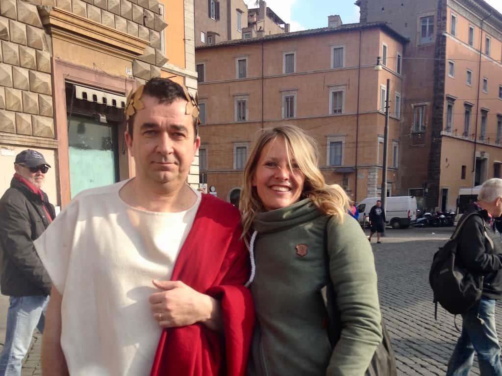 Caesar läuft man in Rom öfter über den Weg