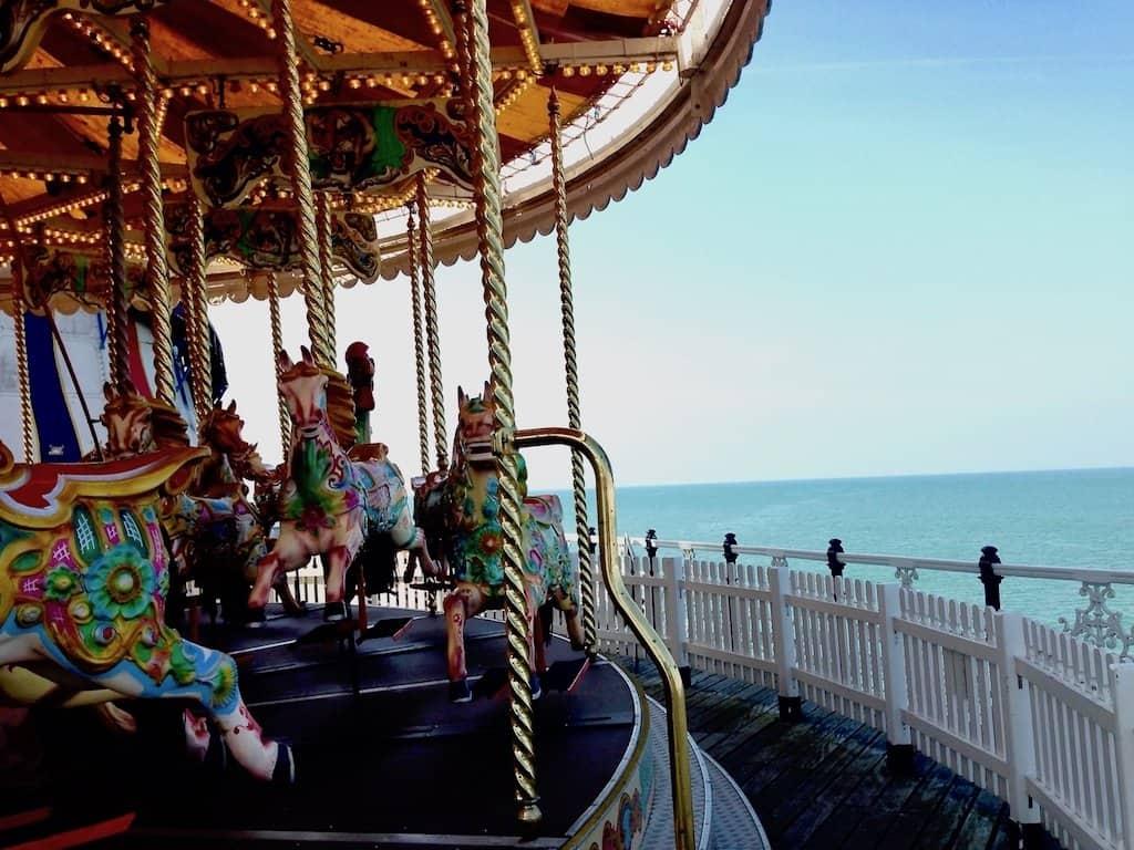 Brighton Sehenswürdigkeiten Karussell auf dem Brighton Pier