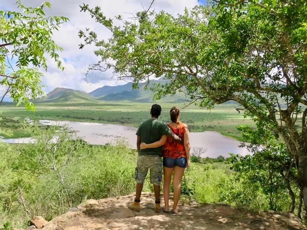 Auswandern nach Tansania: Tizia und Tini auf Safari im Mkomazi Nationalpark