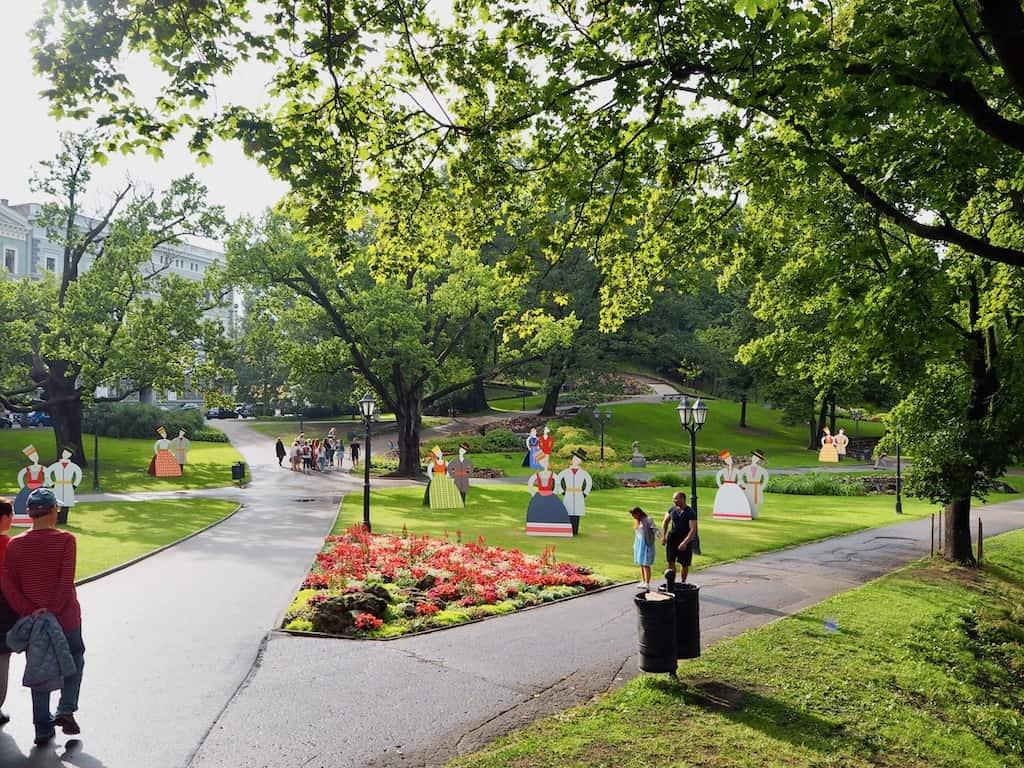 Riga Sehenswürdigkeiten: Der Park neben dem Freiheitsdenkmal