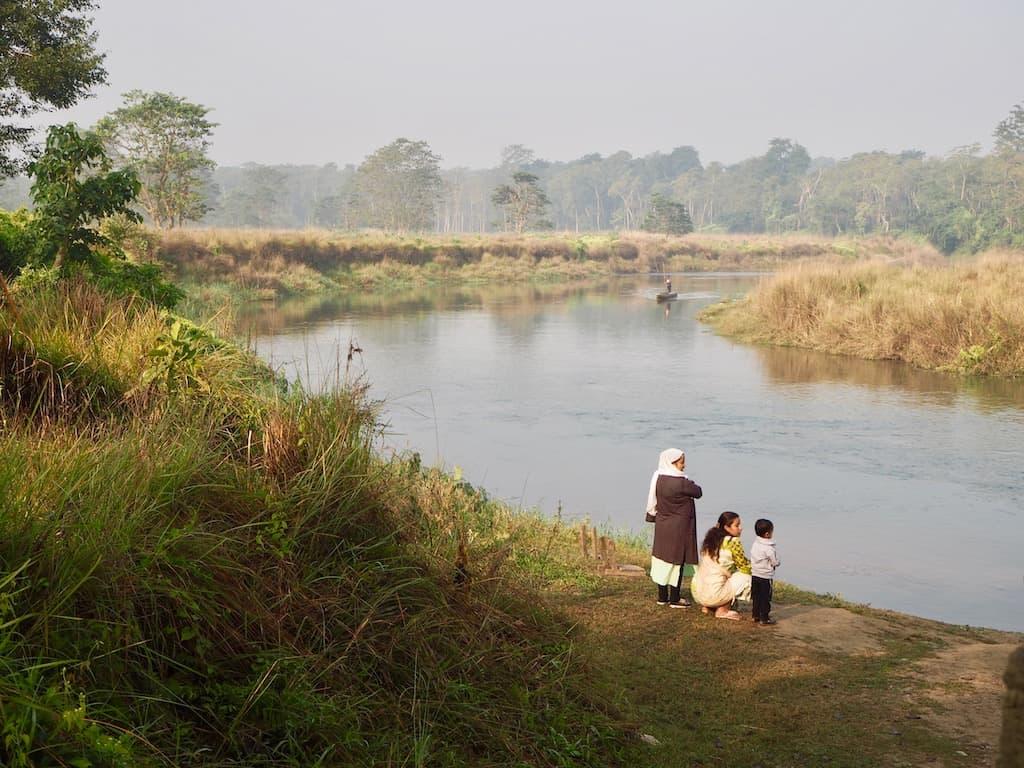 Bereit für die Kanutour im Chitwan Nationalpark