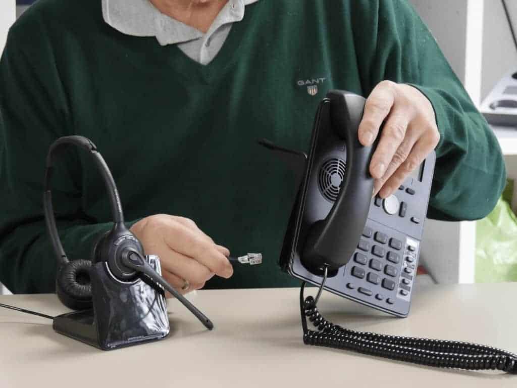 Headset an Festnetztelefon anschliessen