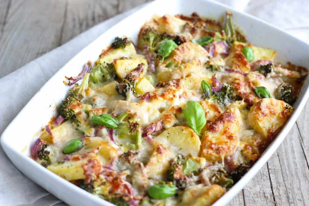 Baked vegetables chicken fish in Borosil baking dish