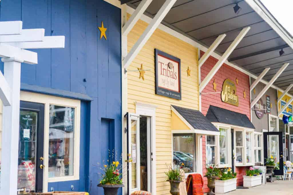 Discover Dining Shopping And The Outdoors In Peterborough Nh