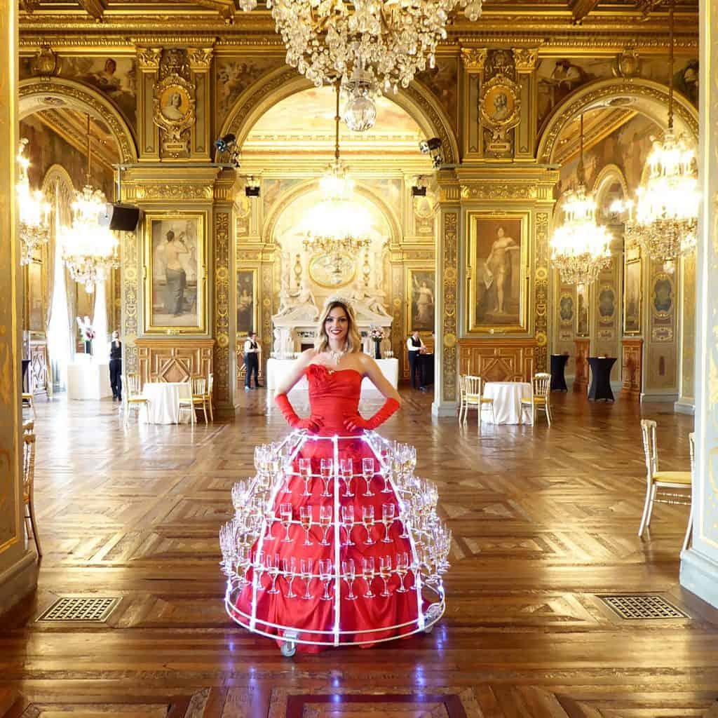 Lady Champagne Hôtel de ville Paris