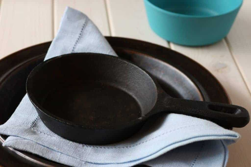 protecting cast iron from rust, cooks cast iron skillet best, best cast iron pans