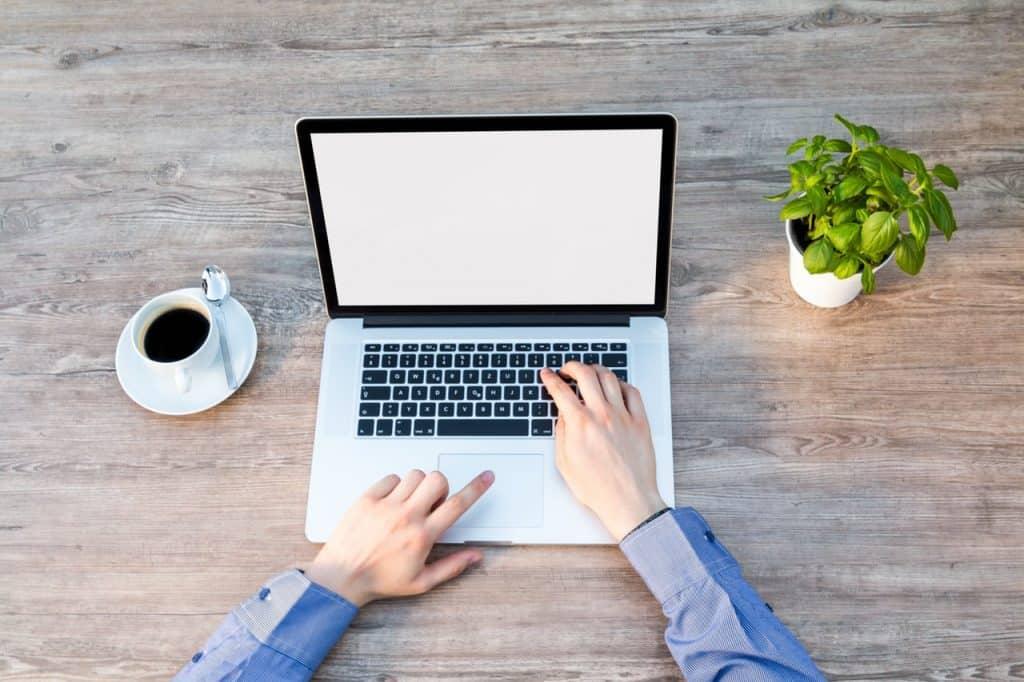 BLOG BIZNESOWY O CZYM PAMIĘTAĆ PRZED ZAŁOŻENIEM Career PRO Agent Kariery wspieramy w zmianach zawodowych profesjonalne CV manager szukanie pracy jak szukać pracy pomoc w szukaniu pracy dla managerów manager zmiana pracy