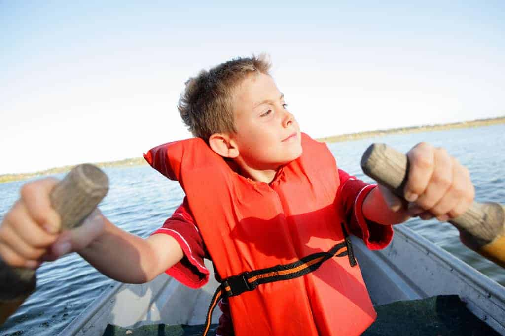 Self-reliant child rowing