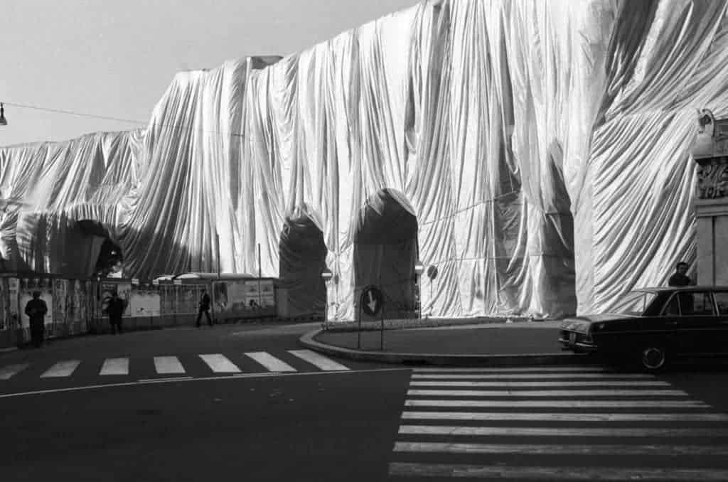 Christo and Jeanne-Claude, The Wall - Wrapped Roman Wall, Rome, 1974.