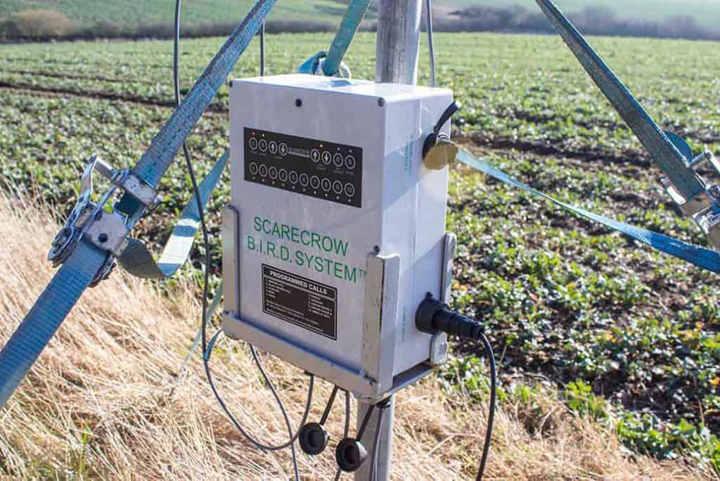 Scarecrow paukščių baidymo sistema su skambučių valdymo pultu