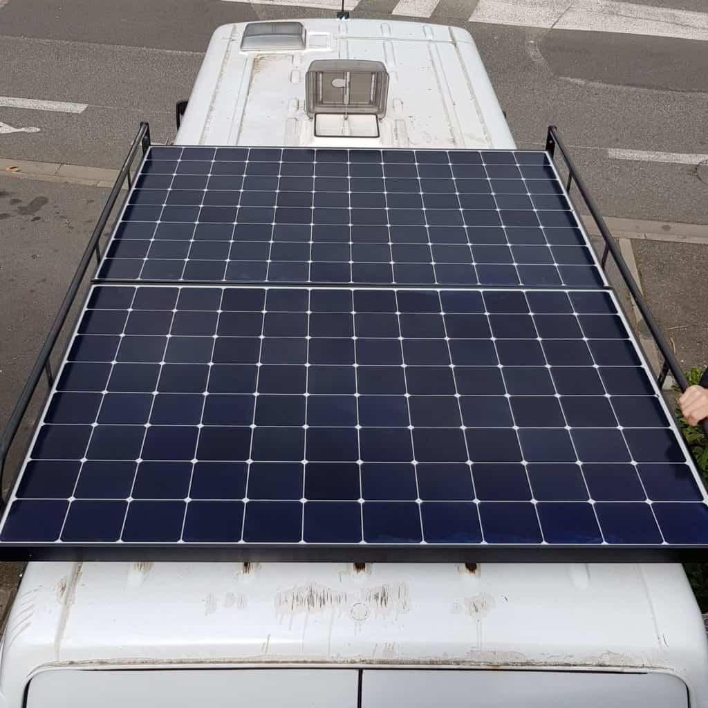 Panneaux solaires posés sur notre toit