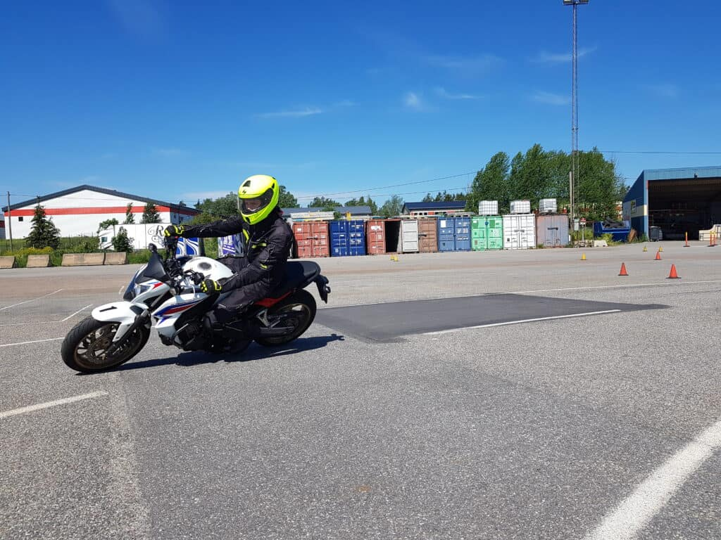 Boka risk 2 motorcykel i Stockholm