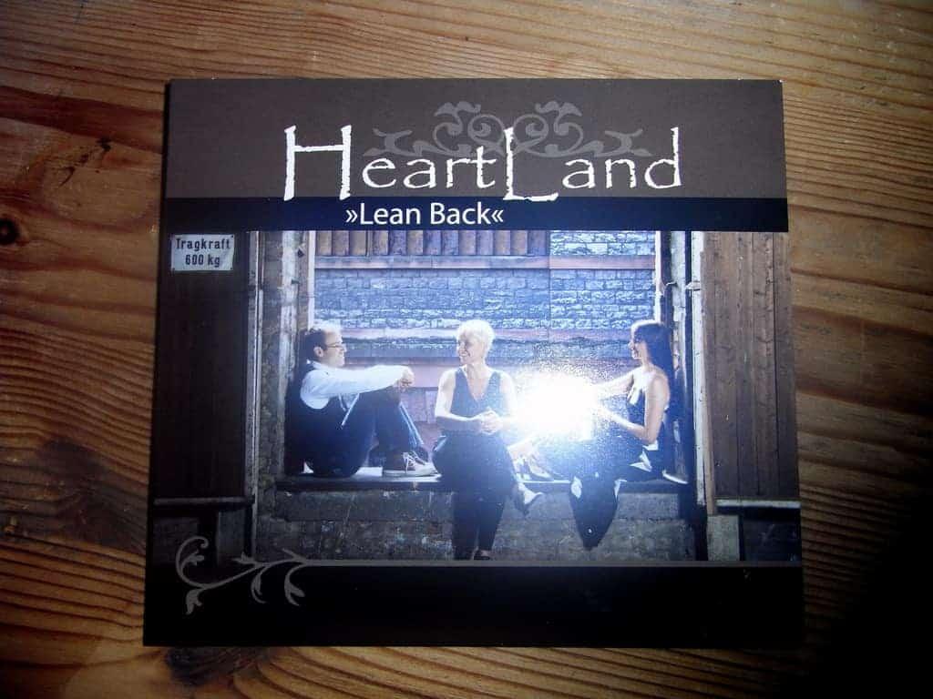 """HeartLand """"Lean Back"""""""