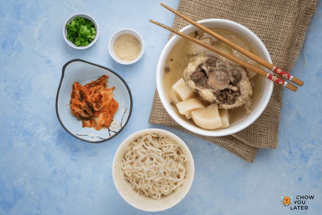 Oxtail soup spread with kimchi and shirataki noodles