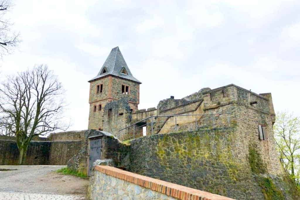 Frankenstein Castle - The best Fairytale castles in Southern Germany. Here's our guide to help you choose the best castles in southern Germany to visit on your Germany road trip. Here are our favourite castles in southern Germany! #castles #germany #wanderingbird #southerngermany #roadtrip #fairytale #castle #burg #cochem