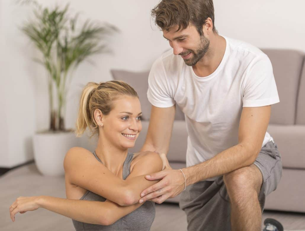 Stretching étirements avec coach sportif à domicile
