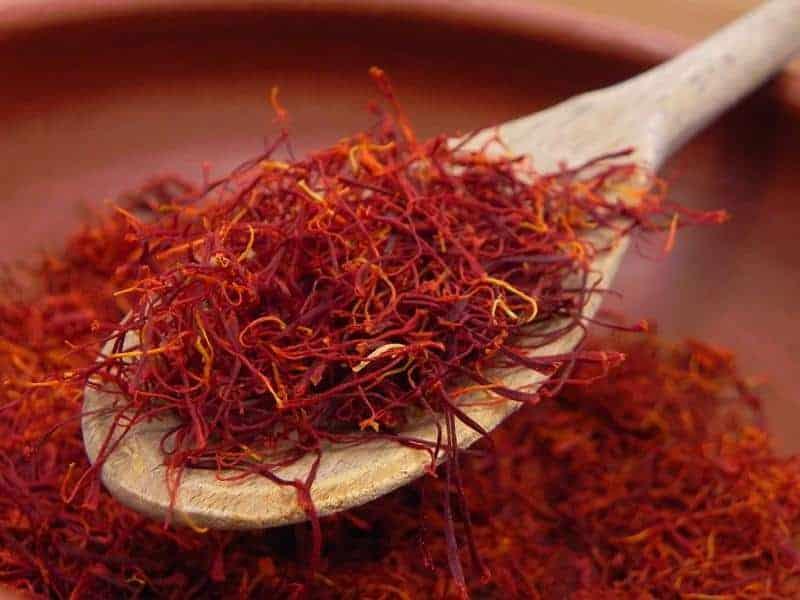 Thông Tin Các Loại Saffron Ấn Độ và Iran Bạn Nên Biết