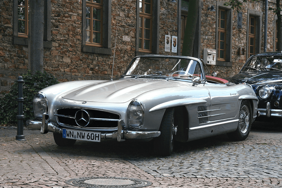 10 Classic Cars that are just Pure Class and ooze Coolness