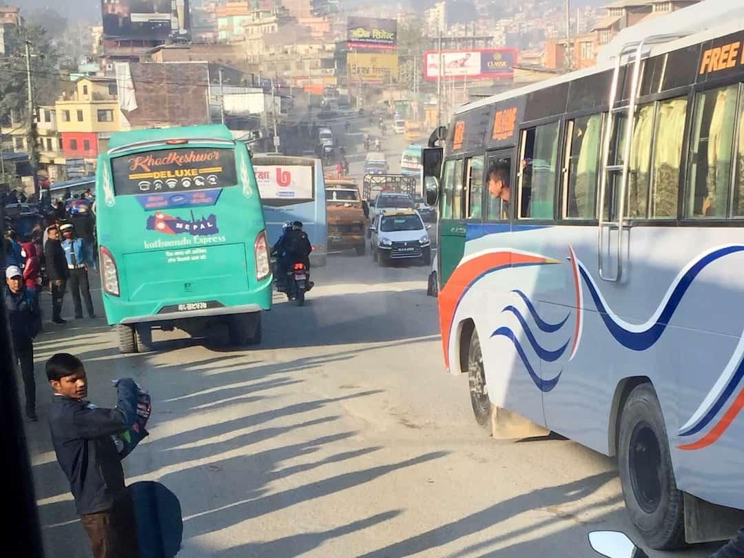 Von Kathmandu nach Pokhara mit dem Bus