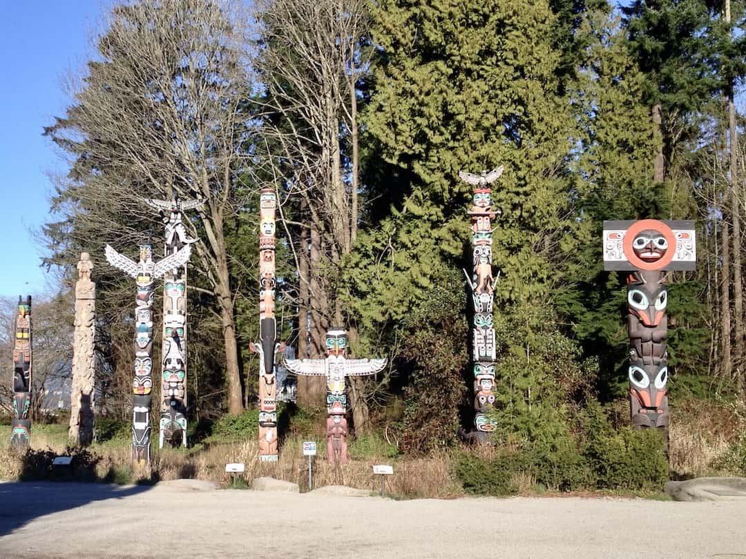 Totempfähle am Brockton Point im Stanley Park