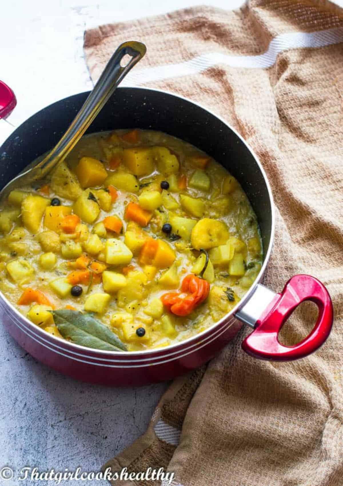 Stew with bay leaf