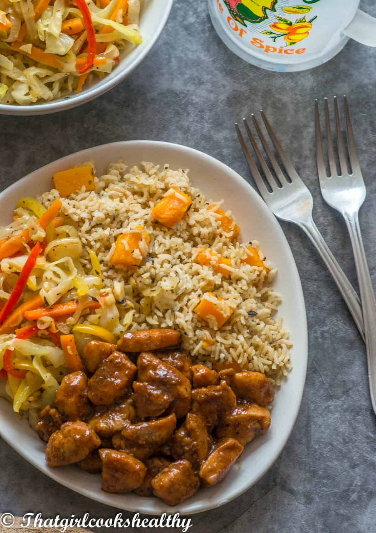 medley of meat and rice with 2 forks