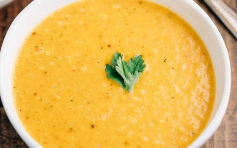 Чудесный сливочный суп-пюре из цветной капусты с карри