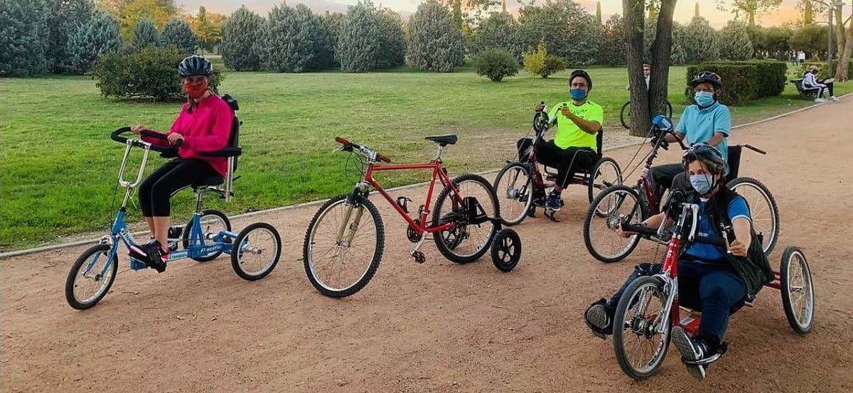 La Escuela de Ciclismo Adaptado Fundación También reanuda su programa de entrenamientos en el Parque Juan Carlos I