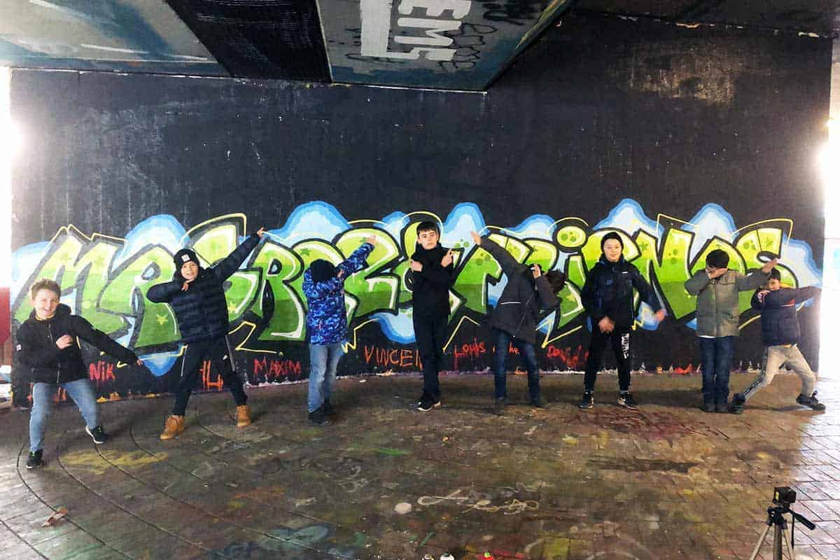Um den Graffiti Kindergeburtstag von Daniel gebührend zu feiern, haben wir von Graffiti Stuttgart mit seinen Gästen ein coolen Graffiti Geburtstag geplant