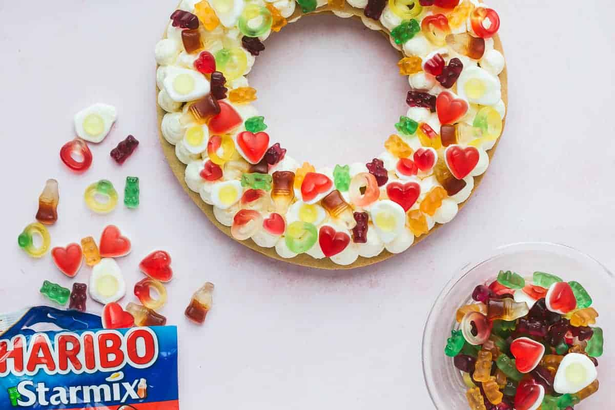 A ring shape cookie cake.