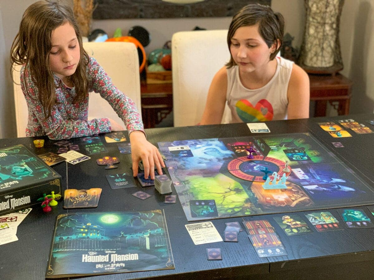 Disney HauntedMansion Call of the Spirits Game