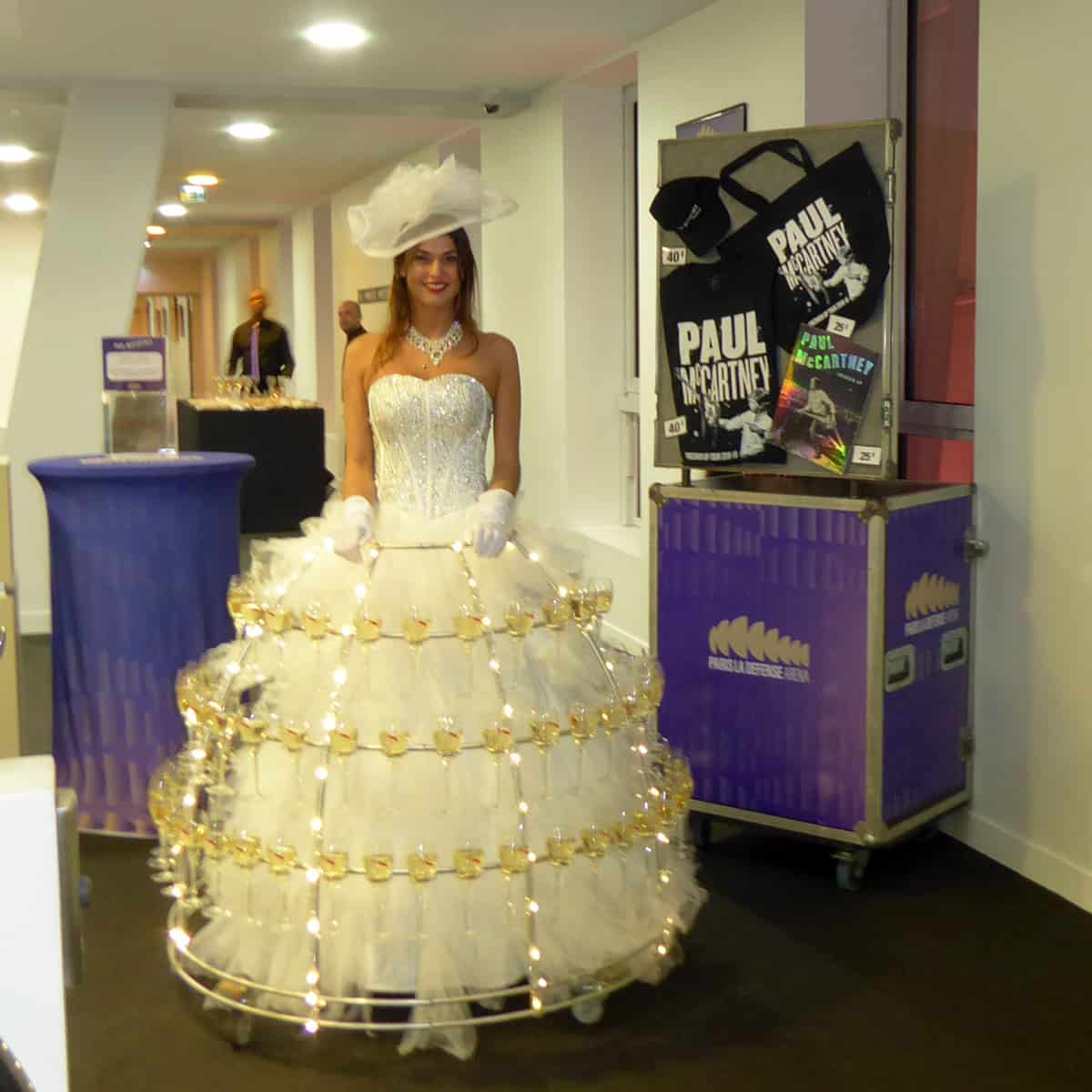 robe à champagne dans les loges vip concert Paul McCartney