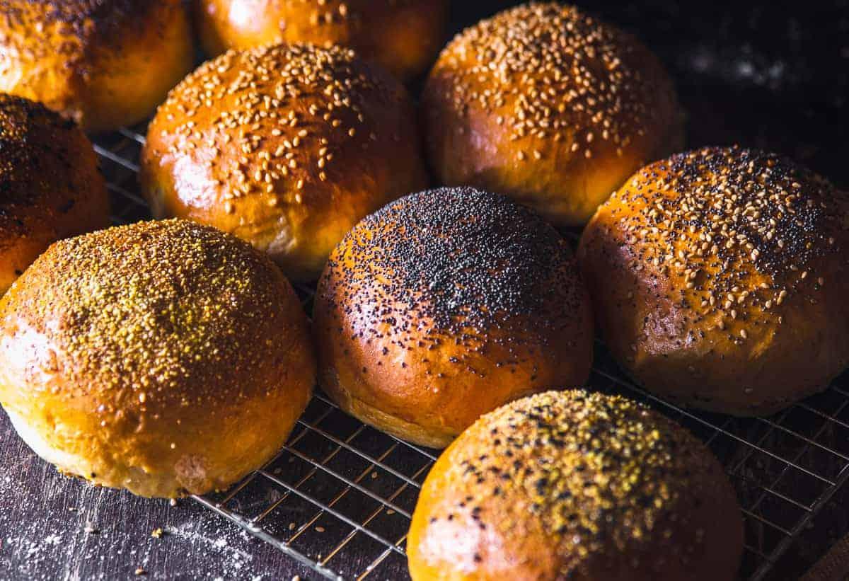 Burger Brötchen selbst gemacht – Brioche Buns backen