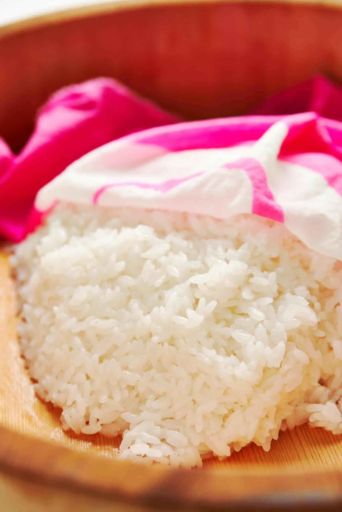 Make this perfectl sushi rice that has the right balance between salt, sweet and tart tastes and a glossy sheen.