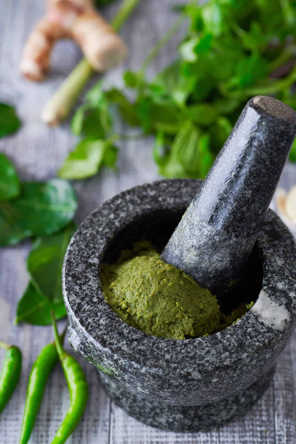 Loaded with Thai herbs and spices and a fiery kick from green chilies, this fragrant green curry paste is the base for a great curry. Best of all, it's plant-based so it's up to you whether you want to load it up with chicken or go vegan with tofu and eggplant.
