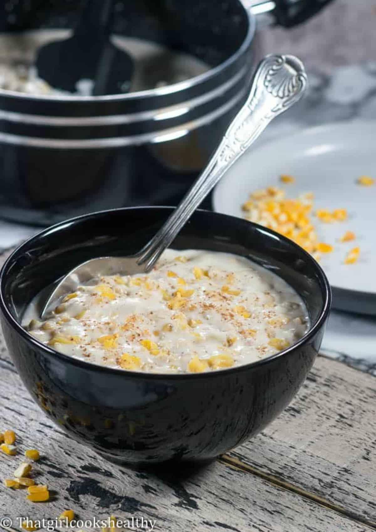 Porridge in the black bowl