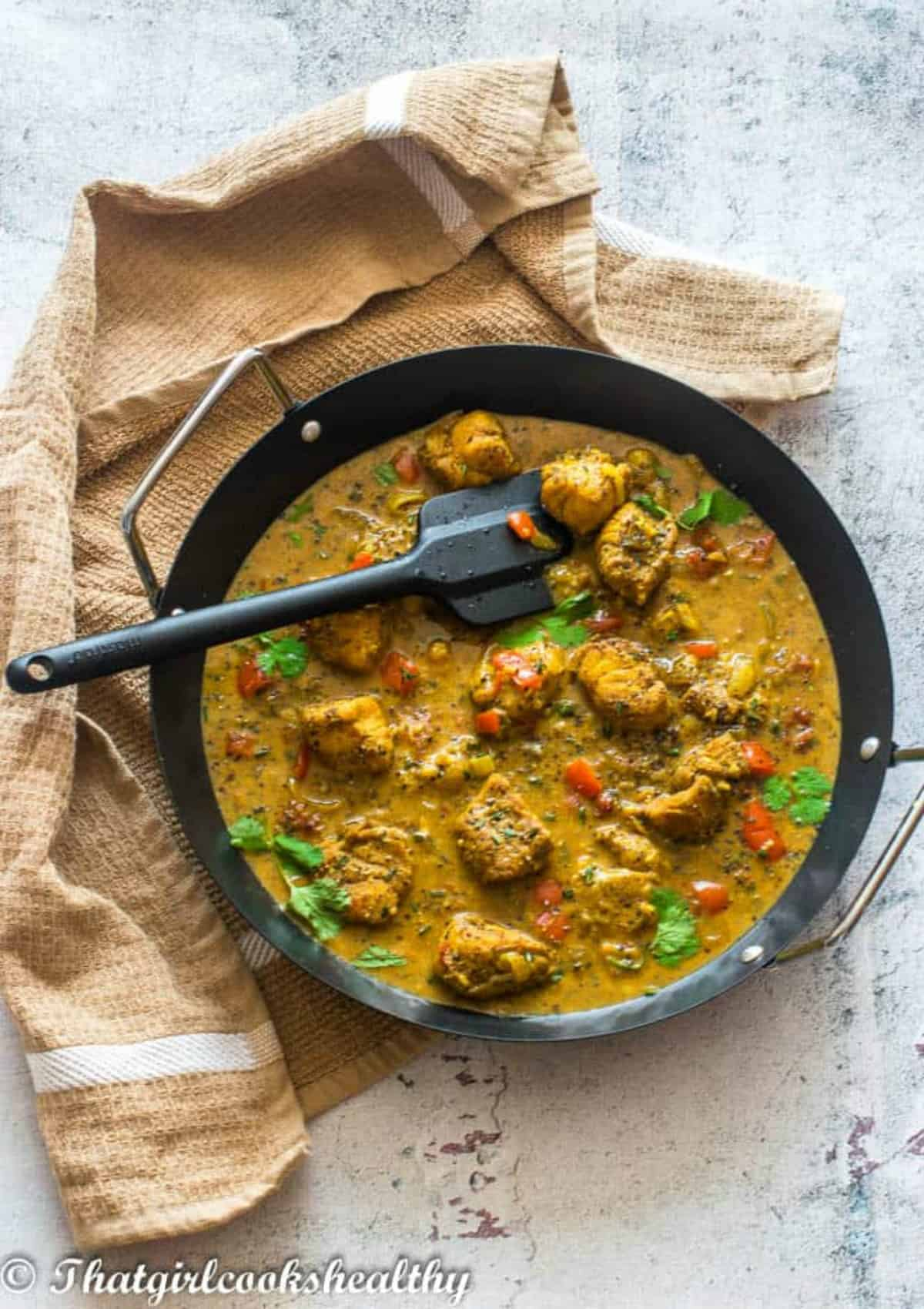 curry with black spatula