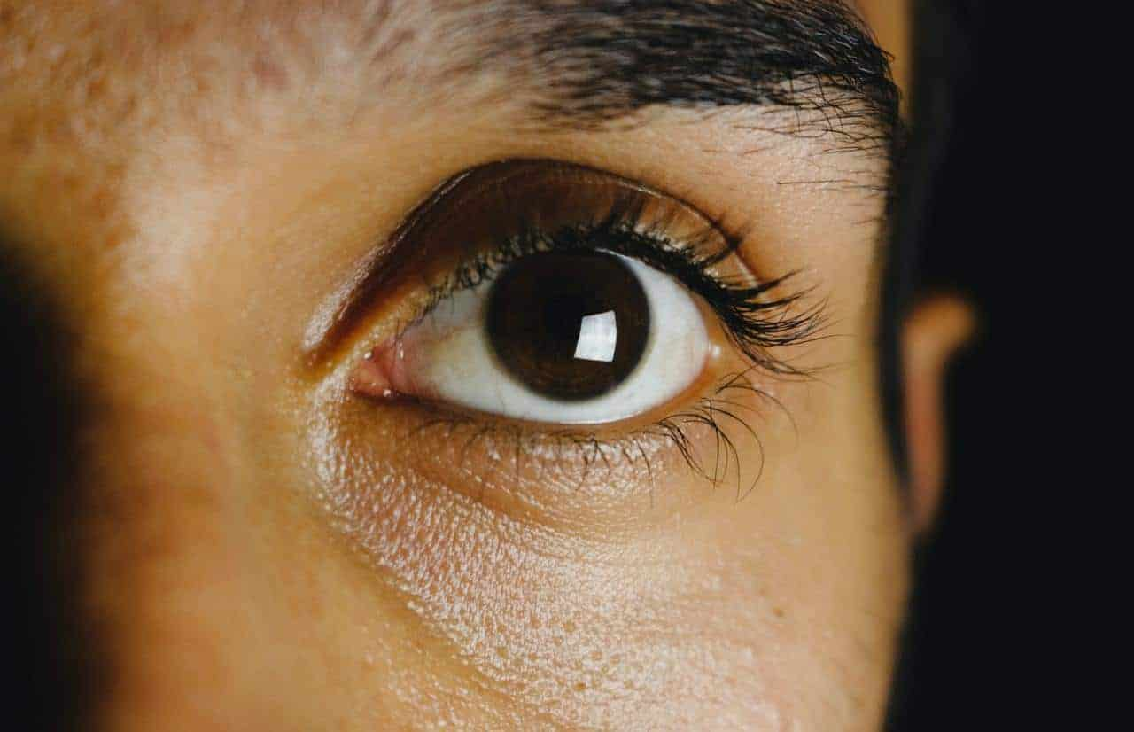 a close up to a girl eye