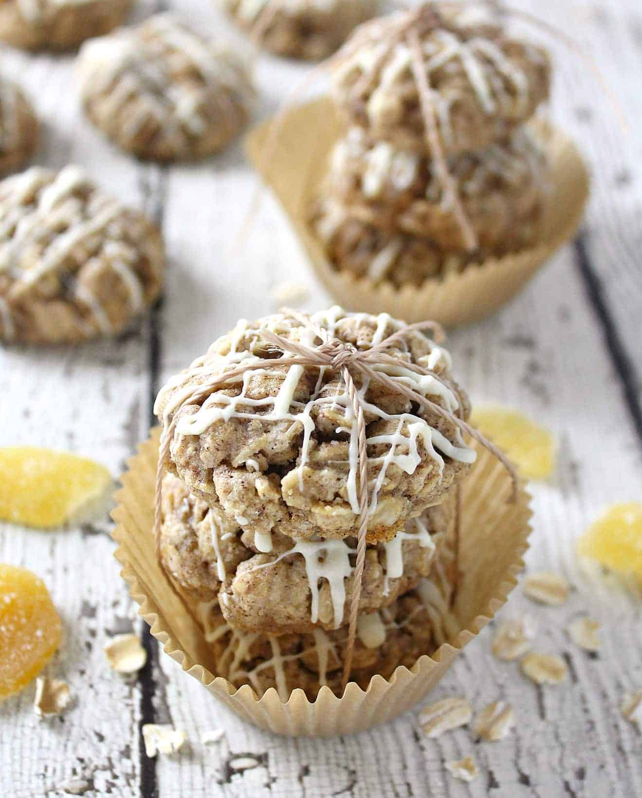 These gluten free Oatmeal Ginger Cookies with a white chocolate drizzle