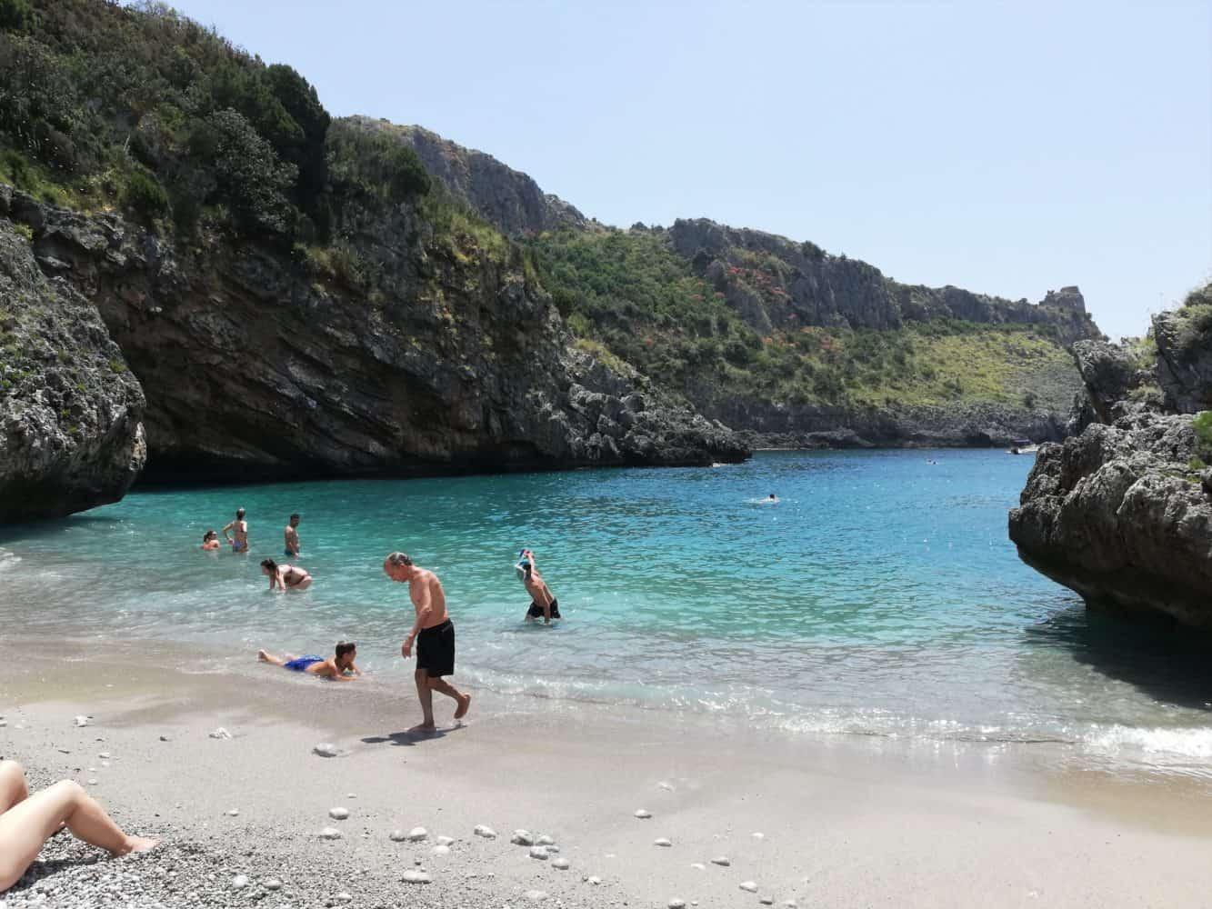 Spiaggia cala bianca, marina di camerota