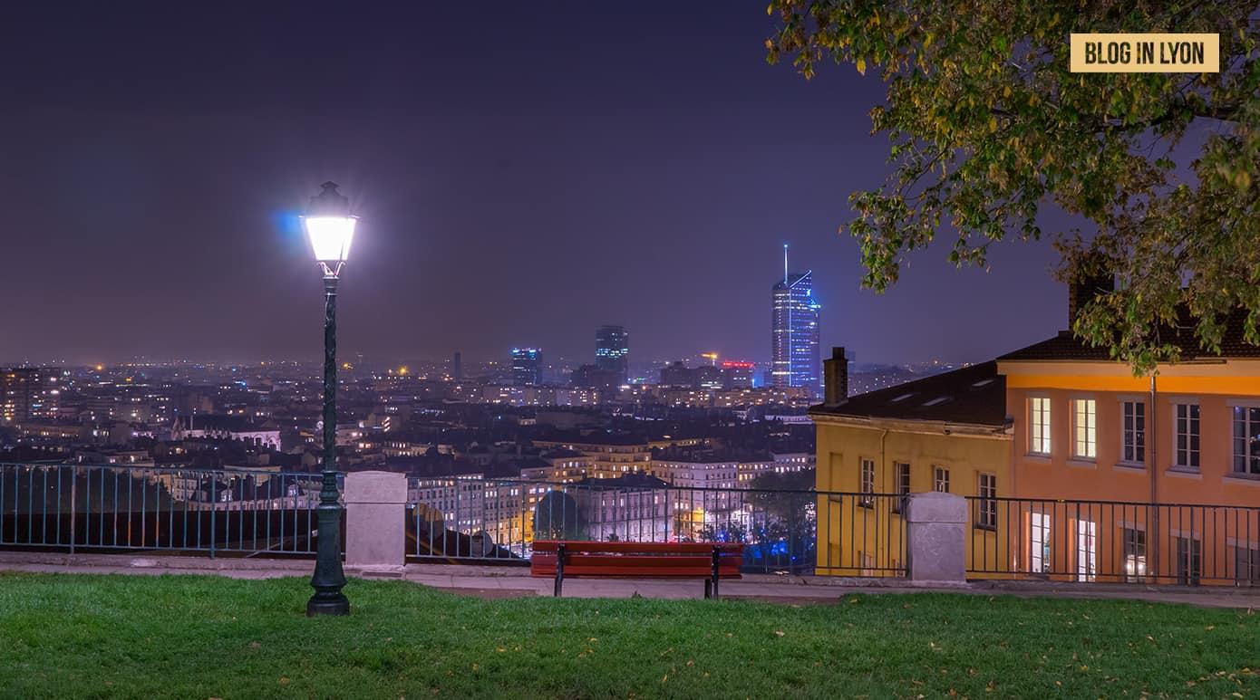 Fond d'écran Lyon – Octobre | Place Bellevue la nuit
