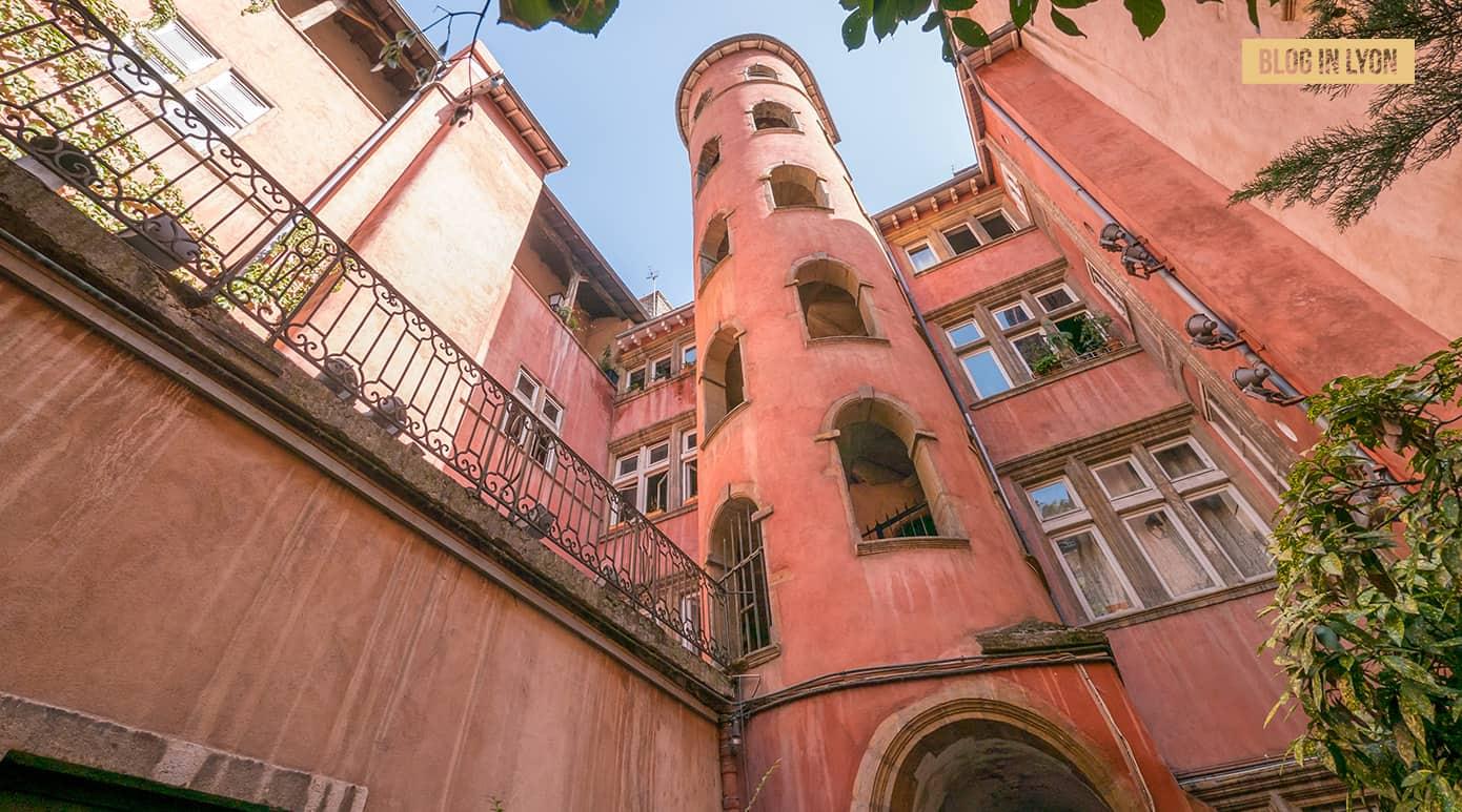 Tour Rose à Lyon – Fond d'écran Lyon | Blog In Lyon