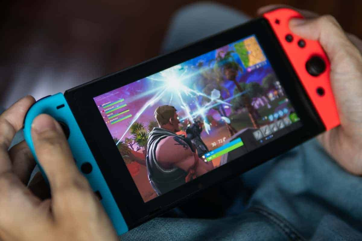 Do you have a Nintendo Switch? So don't clean it with alcohol!